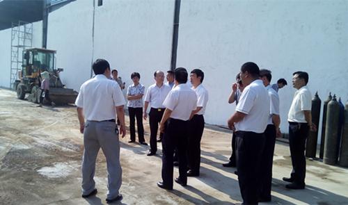 信阳市市委书记郭瑞民、市长乔新疆视察园区